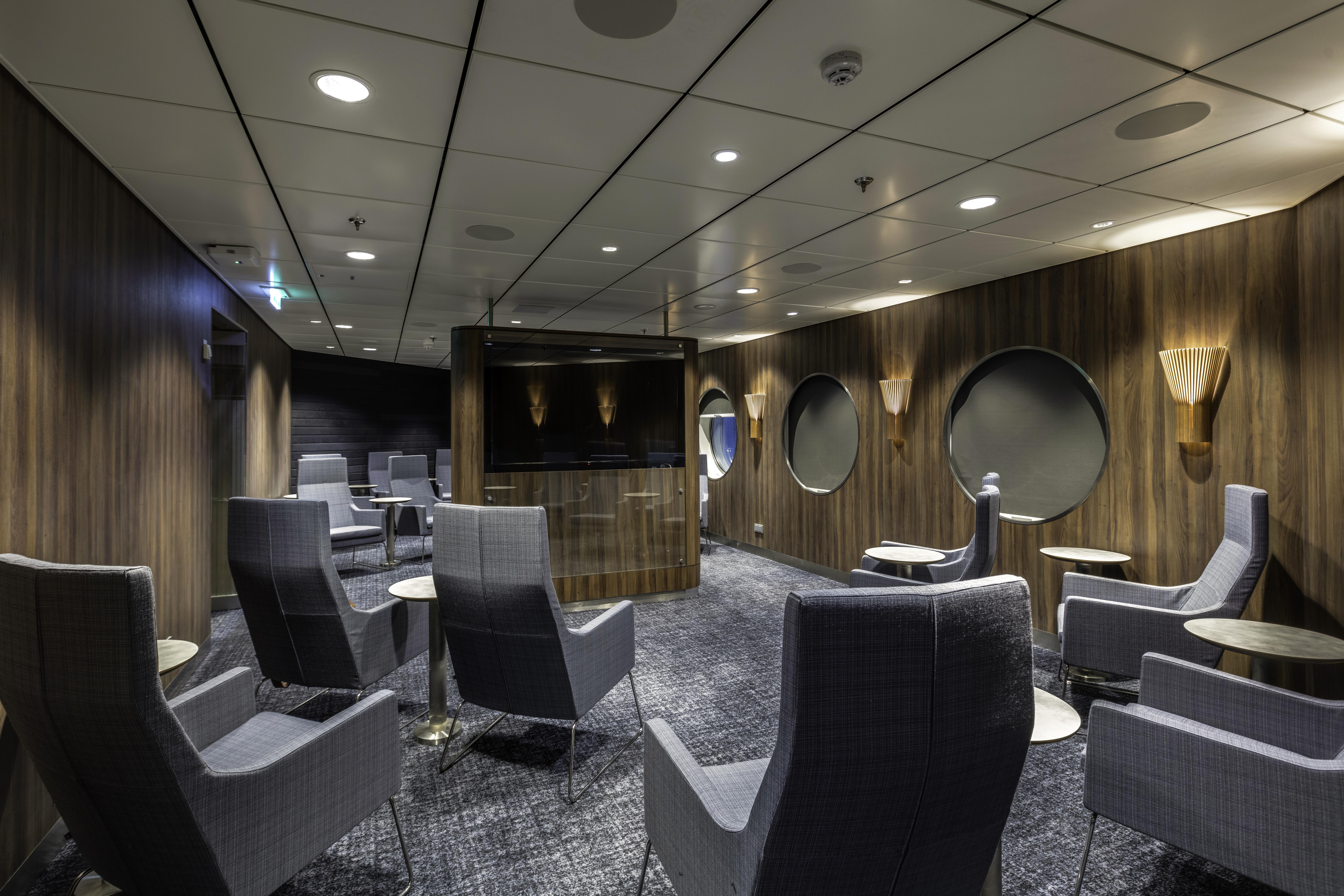 Stena Estrid - Movie Lounge