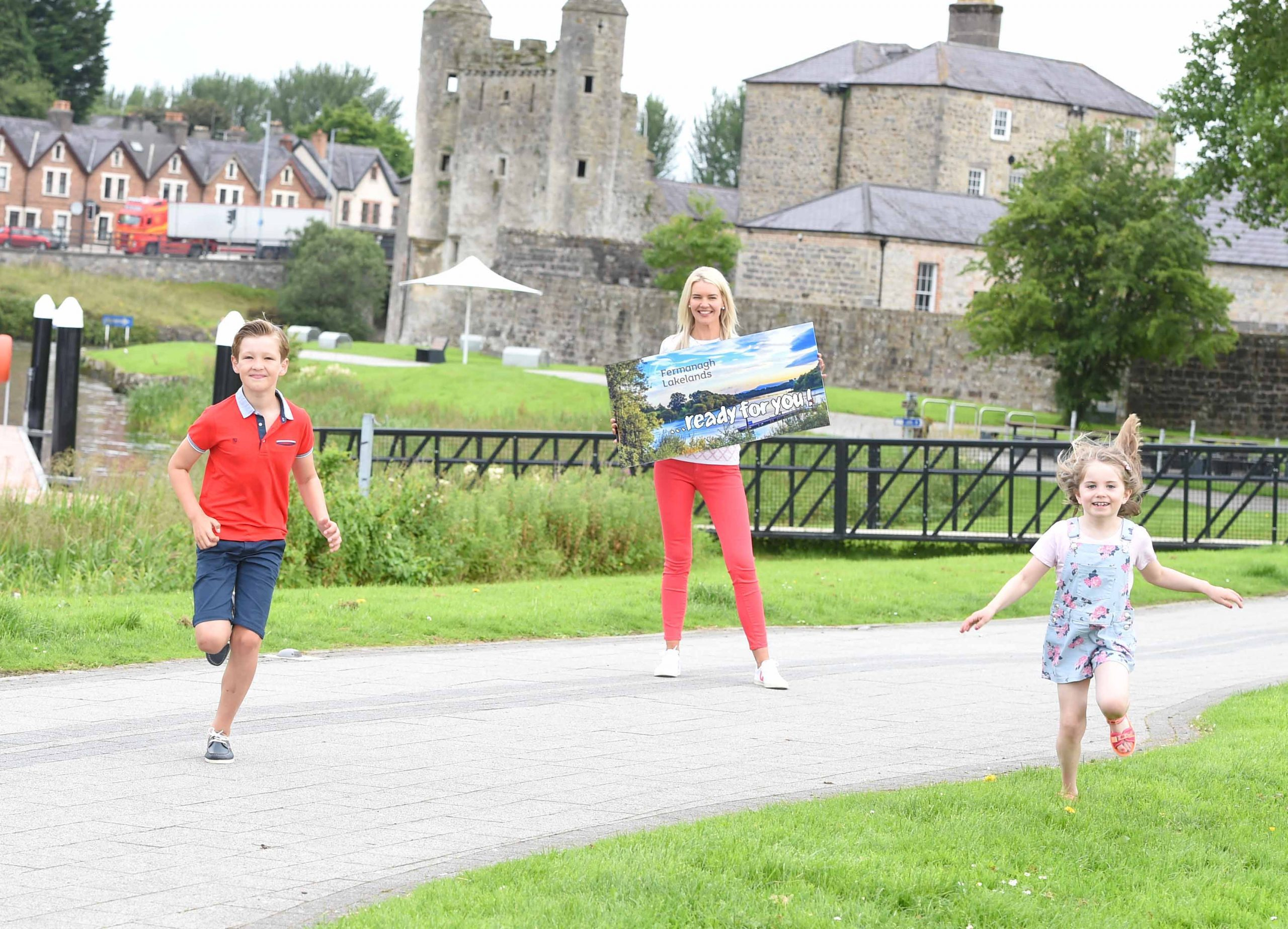 As Covid-19 restrictions ease, more and more people are looking forward to a much-needed break and Fermanagh Lakeland Tourism has reported a significant increase in staycation enquiries in the county over the last four weeks. It's new marketing initiative Ready For You aims to encourage holiday makers to book a staycation and enjoy everything that the Lakeland County has to offer. Visit www.fermanaghlakelands.com to plan your staycation today! Pictured as they get ready for a fun filled break in Co. Fermanagh are (L-R) Wilson Grey, Judith Grey and Eabha Smyth.