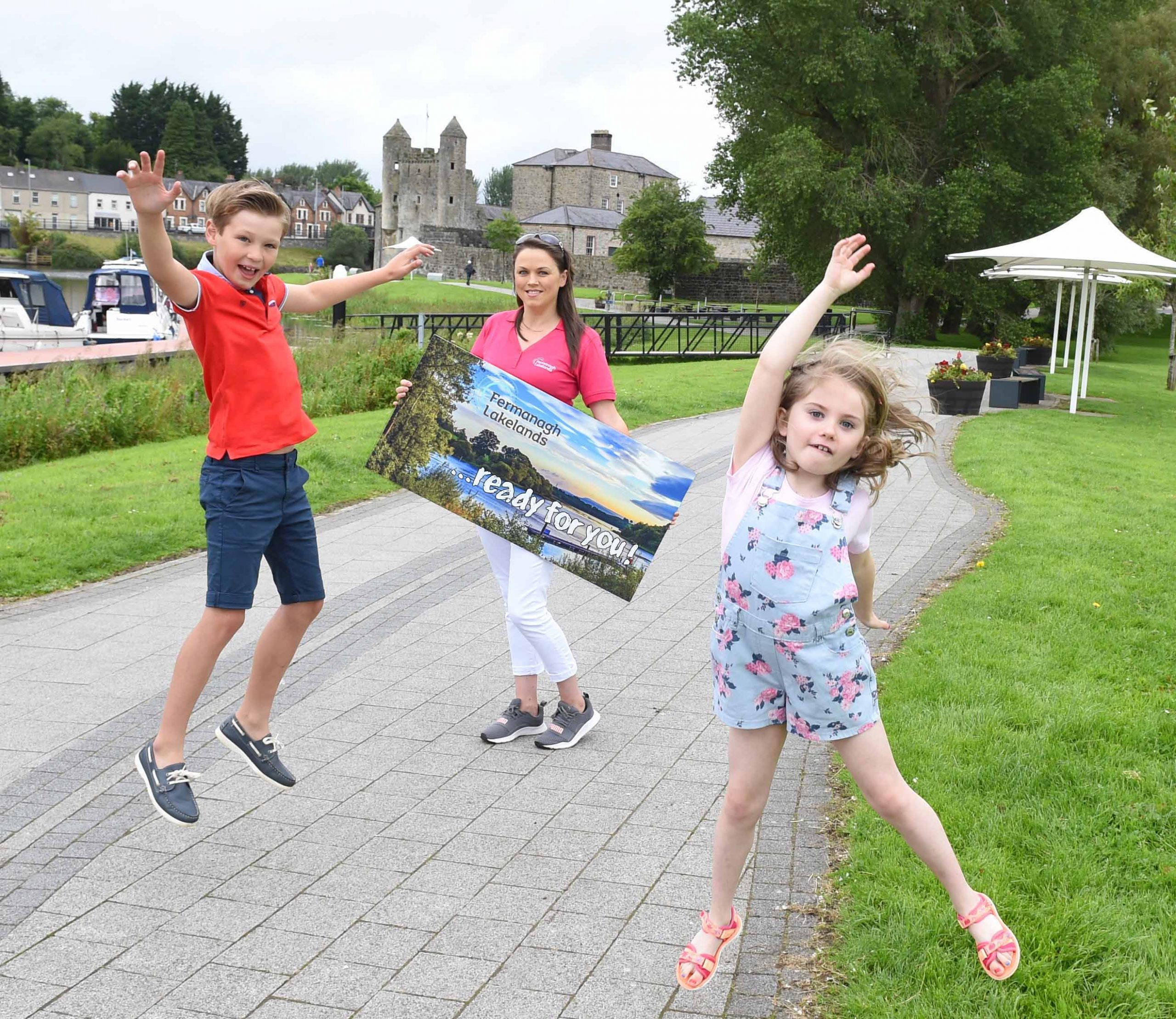 As Covid-19 restrictions ease, more and more people are looking forward to a much-needed break and Fermanagh Lakeland Tourism has reported a significant increase in staycation enquiries in the county over the last four weeks. It's new marketing initiative Ready For You aims to encourage holiday makers to book a staycation and enjoy everything that the Lakeland County has to offer. Visit www.fermanaghlakelands.com to plan your staycation today! Pictured as they get ready for a fun filled break in Co. Fermanagh are (L-R) Wilson Grey, Julie McKiernan of Fermanagh Lakeland Tourism and Eabha Smyth .