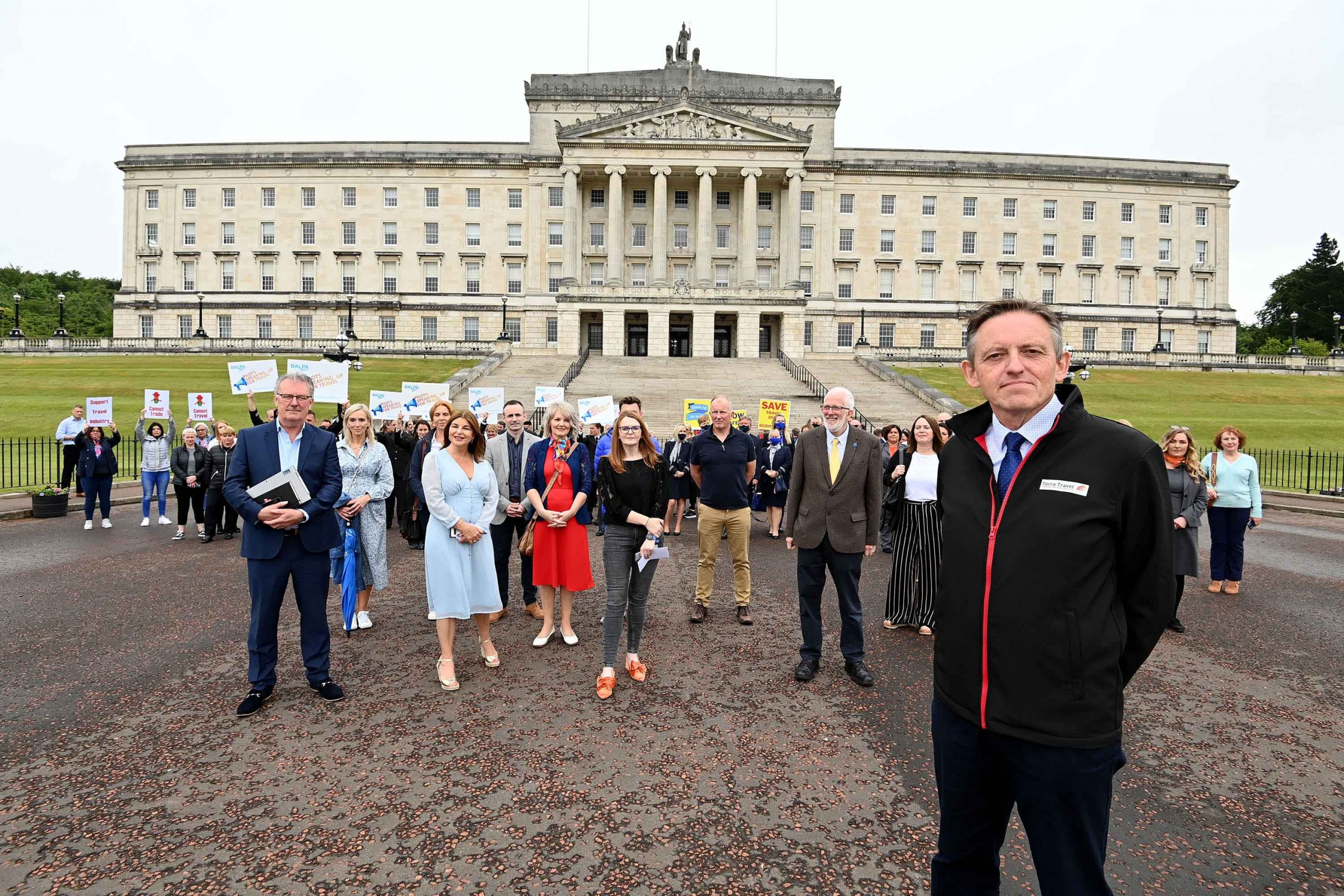 TIME FOR ACTION: Damian Murphy (front right), Chair of the Association of Northern Ireland Travel Agents (ANITA), and representatives from across the Northern Ireland travel trade - including travel agents, airlines, ferries and hospitality - met with local MLA's including (l-r) Mike Nesbitt (UUP), Sinead McLaughlin (SDLP), Caoimhe Archibald (Sinn Fein) and Stewart Dickson (Alliance) at Stormont this morning to lobby for the payment of support grants promised to NI travel agents back in March 2021 and the reopening of international travel.